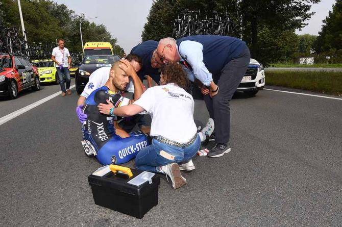 tom-boonen-crash-in-eneco-tour