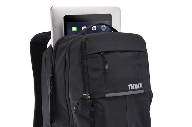 Dual-density laptop sleeve with secure flap closure and SafeEdge construction for superior corner protection.